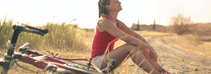 "alt= ""recuperation sportive vélo femme"""